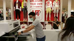 Websites Where You Can Make Your Own Shirt Uniqlo Customize Your Own T Shirt In Central World Bangkok Youtube