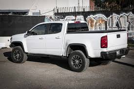 2018 gmc zr2.  gmc auto showdown 2017 chevrolet colorado zr2 vs toyota tacoma to 2018 gmc zr2 0