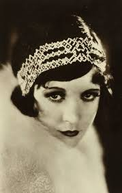 how to dress like a modern day flapper 1920s makeup