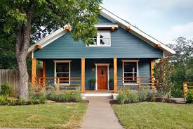 Fixer Upper A Craftsman Remodel For Coffeehouse Owners - Farmhouse exterior paint colors