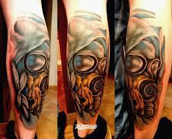 фото татуировки сталкер в стиле нео традишнл татуировки на икре
