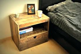 pallet side table ideas easy pallet nightstand side table tutorial home decorations ideas diy