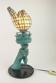 statue of liberty torch table lamp design ideas