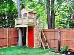 Small tree house blueprints Tree Fort Salvaged Wood Treehouse Green Building Idea Lushome 25 Tree House Designs For Kids Backyard Ideas To Keep Children