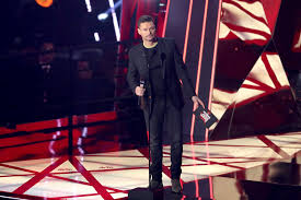 ryan-seacrest-iheartradio-award.jpg