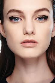 edgy graphic eye makeup for modern look