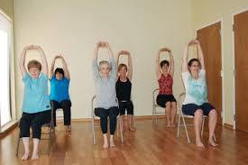 La tercera edad ya no tiene escusas: prácticos ejercicios en silla