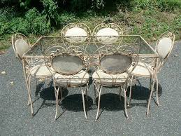How to Restore Iron Patio Furniture