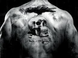 невозмутимые неудержимые фильм ворон череп спина тату черно белая Hd