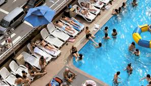 hotel outdoor pool. Hamilton Hotel Outdoor Rooftop Pool