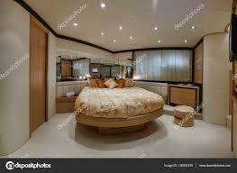 Italien Neapel Luxus Yacht Schlafzimmer Stockfoto
