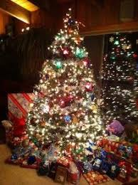 lots of christmas presents | Christmas Tree And Lots Of Presents ...