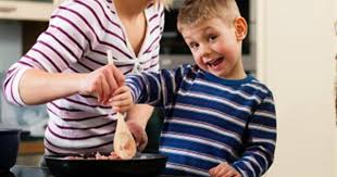 5 Great Reasons to <b>Cook</b> with Your Kids - HealthyChildren.org