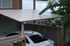 de uma casa ou proteção contra chuvas, frio e umidade, elas são também parte do acabamento estético e consideradas por muitos como itens obrigatórios. Cobertura Para Garagem 28 Modelos E Materiais