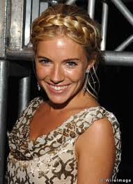 7, bringing the franchise of military action figures to the big screen. Sienna Miller Joepedia Fandom
