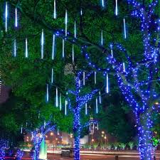 Lights That Look Like Snow Falling Aukora Rain Drop Lights Led Meteor Shower Lights 11 8 Inch 8 Tubes 144leds Icicle Snow Falling Lights For Xmas Halloween Party Holiday Garden Tree