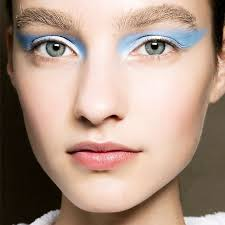 use scotch tape and bright eye shadow new years ideas makeup
