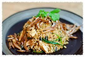 Add the sambal, salt, sprinkle some water and stir the rice. Nasi Goreng Kampung Psilovetocook Com 2014 02 Nasi Goreng Lc Tan Flickr