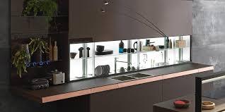 Küche mit Kücheninsel ohne Griffe GENIUS LOCI
