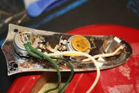 anyone have a wiring diagram for a fender mustang harmony 5663 jpg