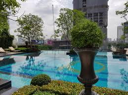 ... Q Asoke Condominium - swimming pool 8 floor ...
