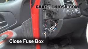 interior fuse box location 2007 2013 chevrolet avalanche 2009 interior fuse box location 2007 2013 chevrolet avalanche 2009 chevrolet avalanche lt 6 0l v8