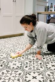 Floor Tile Paint For Kitchens 17 Best Ideas About Painting Tile Floors On Pinterest Painting