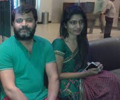 por soap opera actors prabhakar and his e in most serials sameera sheikh are caught without the paint the other day