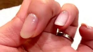 Olさんにおすすめ指先を美しくするシンプルネイルのやり方
