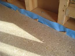 Je nach stärke der platte kann sie sogar in einem feuchtraum eine tragende funktion ausüben. Unterwelt Fussboden Mit Unterkonstruktion Aus Holzwerkstoffplatten Bauhandwerk