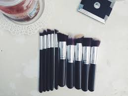 i would like to start this post off by apologizing for the dirty looking brushes i 39 ve been trying these out for a while to get a good review done on them