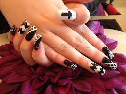 40+ Stylish Black Acrylic Nail Art Designs