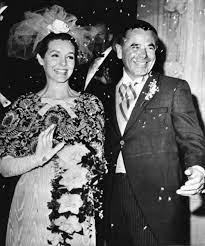 File:Glenn Ford and Kathryn Hays Wedding day.jpg - Wikipedia