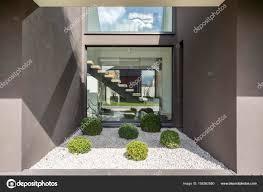 Moderne Nische Mit Großen Fenster Stockfoto Photographeeeu