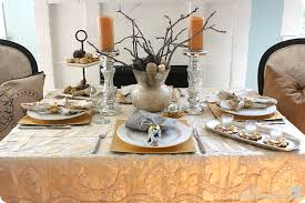 Fabulous Metallic Holiday Tablescape | MyBlessedLife.net