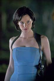 Sienna Guillory Photo: Jill Valentine   Resident evil girl, Sienna guillory,  Resident evil movie