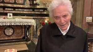 Suor Beniamina Mariani ricorda suor Maria Laura Mainetti - YouTube