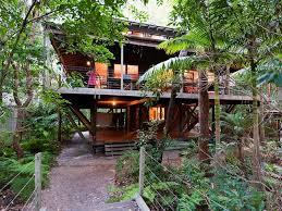 WEIRD HOLIDAY SPOTS  Australia Country MagazineTreehouse Accommodation Nsw