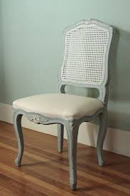 two toned dining chairs she painted the caning a diffe color genius via s with good taste twin sisters