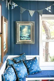 Kombinasi warna kuning dan navy. 9 Padu Padan Warna Yang Cocok Dengan Dekorasi Biru Di Dalam Rumah Portal Wanita Muda