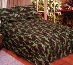 camouflage king size quilt set includes 2 standard pillow shams