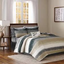 what color bedding goes with beige
