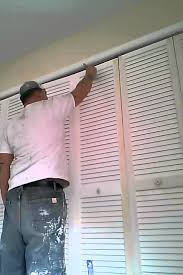 Painted closet doors Gray Pro Painting Of Louvered Door By Dan The Man Youtube Pro Painting Of Louvered Door By Dan The Man Youtube