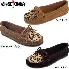 minnetonka moccasin women s genuine leopard cary mock minnetonka leopard kilty moc leather suede las moccasin shoes