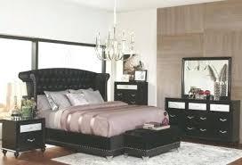 Dimora Black Upholstered Platform Bedroom Coaster Set 1 – dynamic-web
