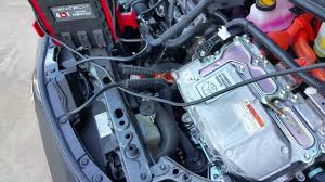Lake Charles Toyota - Jump Start a Prius c - YouTube