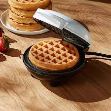 Dash White Mini Waffle Maker + Reviews