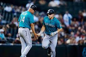 Rookie Kelenic leads Mariners over ...