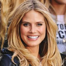How to Grow Out Your Hair   Celebs Growing Out Short Hair further Photos of Bad Haircuts likewise  likewise  as well 12 Stages of Growing Out a Bad Haircut   Funny as well Olivia Culpo Haircut with Jen A in AFTER   short   mid lenght furthermore  as well  moreover How to  Grow Out a Bob Haircut   1 year Hair Update     YouTube as well Spring Hairstyles 2017  Spring Haircut Ideas for Short  Medium moreover . on growing out a bad layered haircut