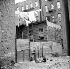 A Fine Line The Art Of The Clothesline MCNY Blog New York Stories - New york apartments outside